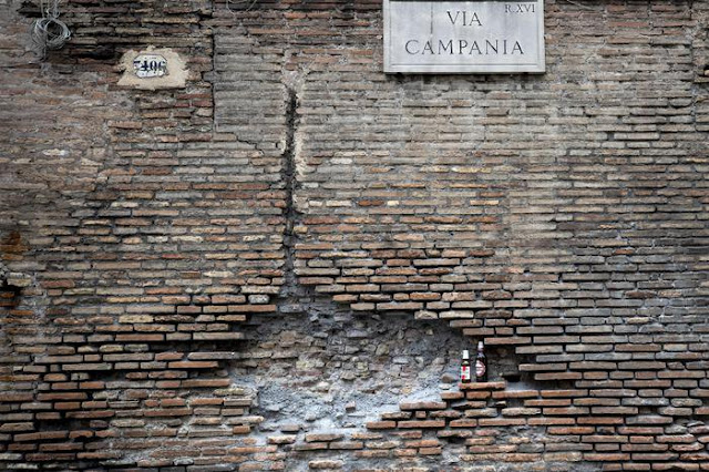 Aurelian Walls tower in Rome partially collapses