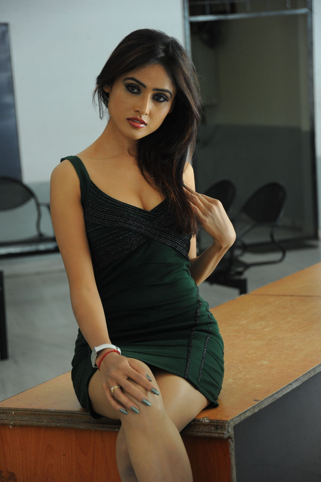 glamorous and confident Sony charishta hot photos at mr rajesh pm