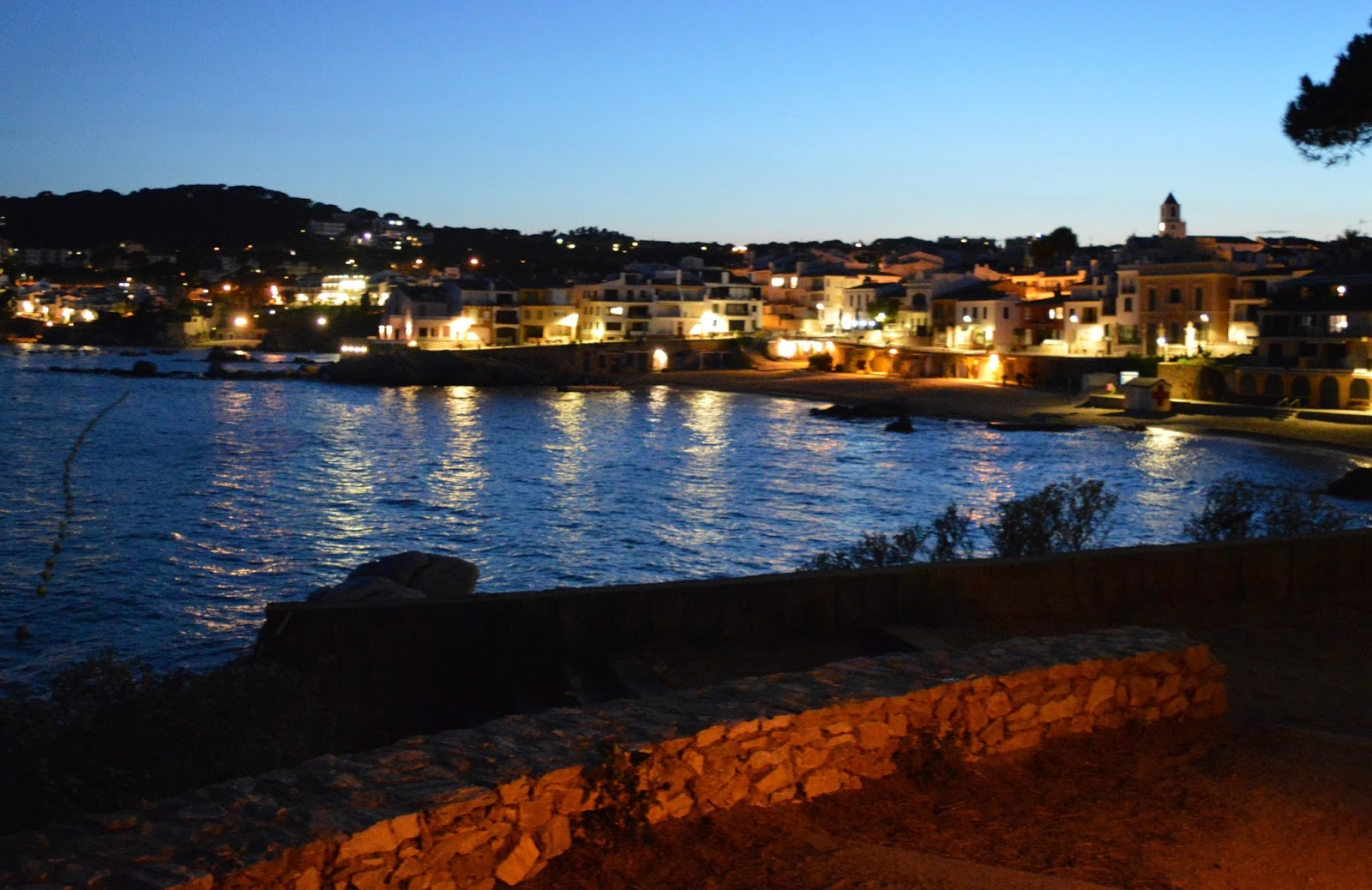 A walk from Calella de Palafrugell to Llafranc - Calella at night