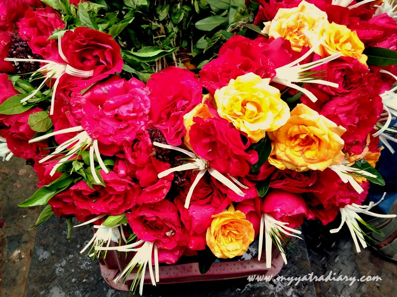 Flowers being sold at Sai Baba Samadhi Temple, Shirdi