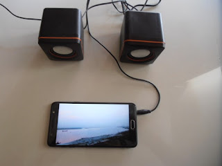 2.0 multimedia speaker test sound with phone