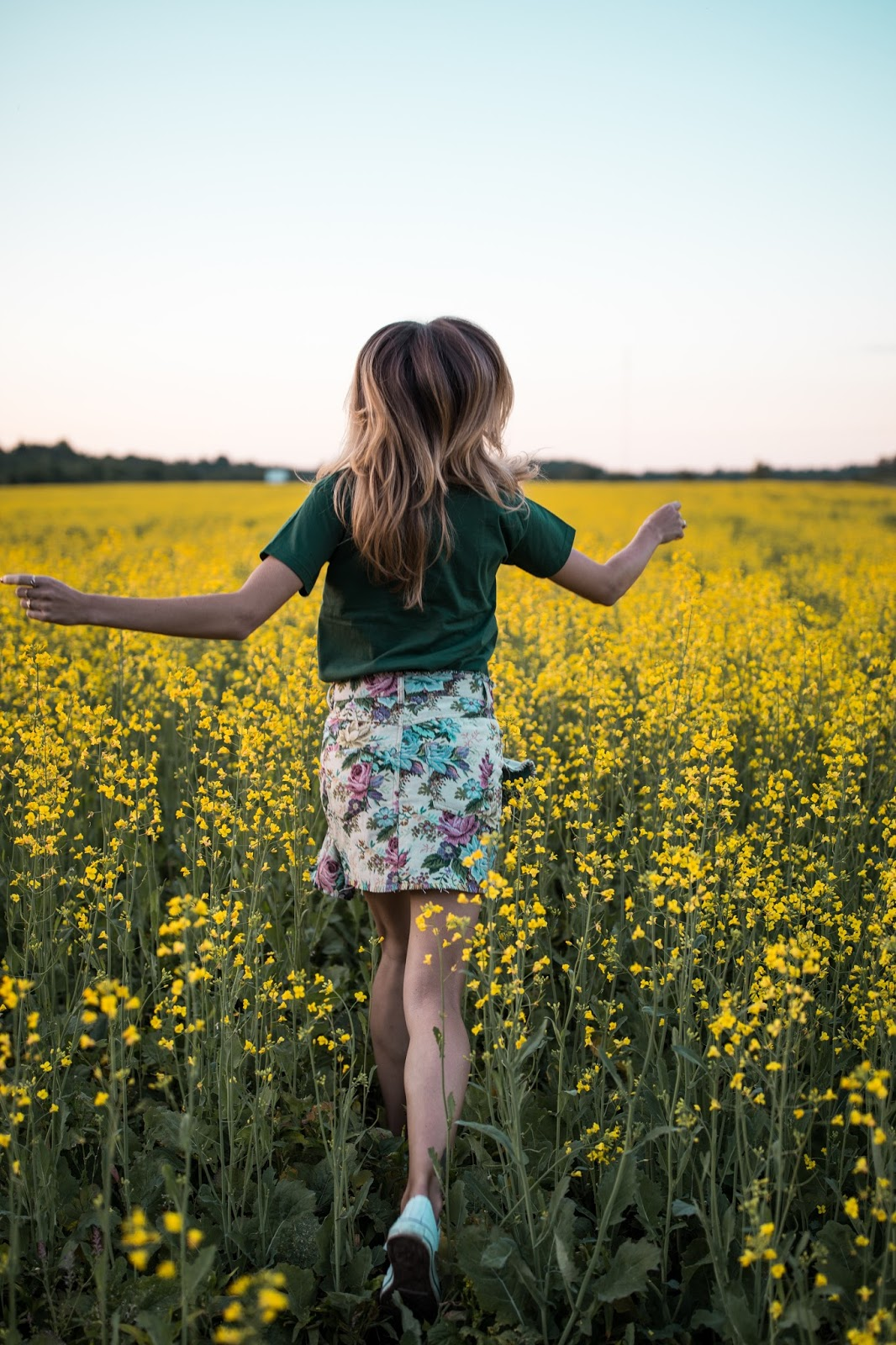 girl flower field summer photography