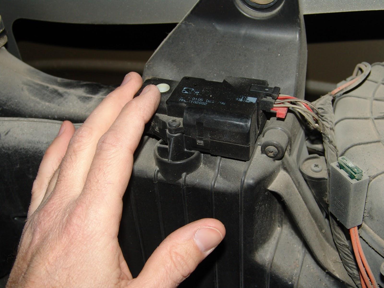 2003 Chevrolet Trailblazer Clicking Sound From Rear Hvac Unit