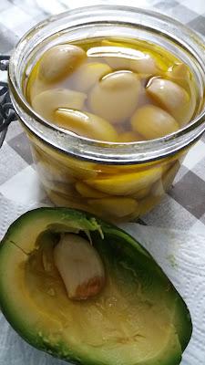 Ail fermenté à l'huile d'olive ; Ail fermenté à l'huile d'olive
