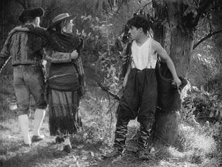 "Кадр из фильма Чарли Чаплина ""Пародия на Кармен"" / Burlesque on Carmen (1916) - 20"