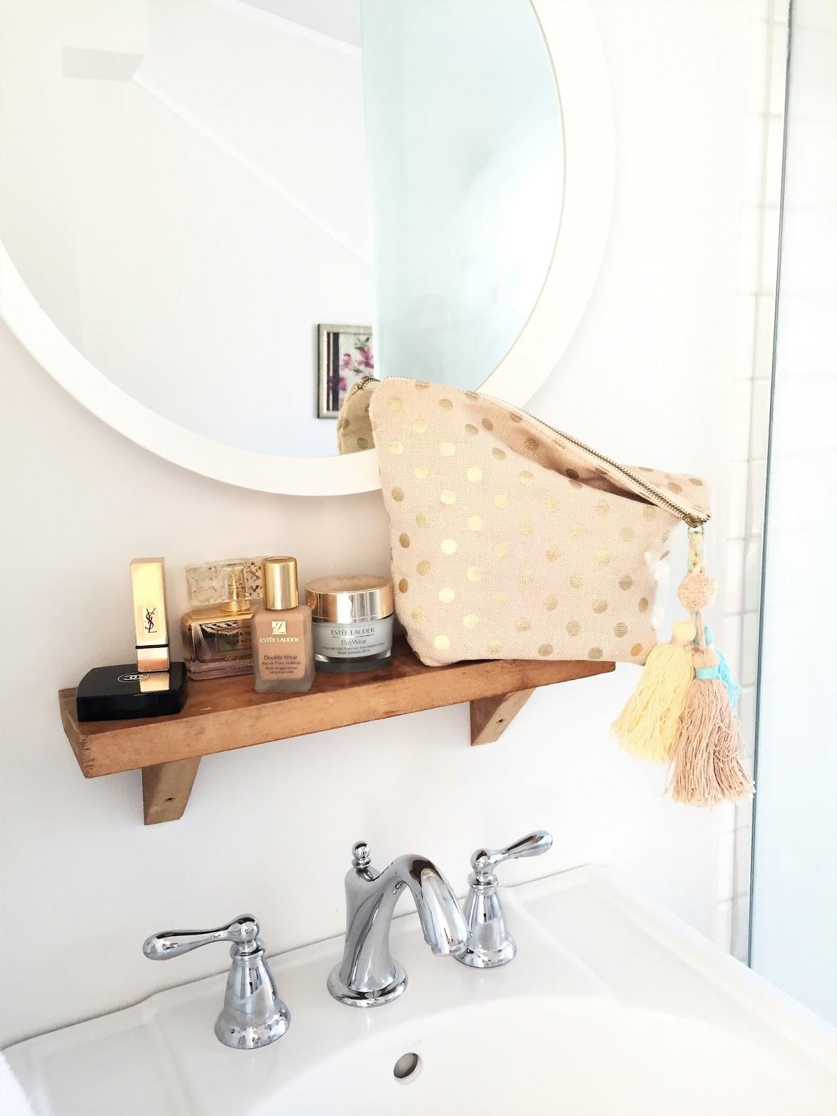 Bijuleni-The Ferg bathroom, Prince Edward County