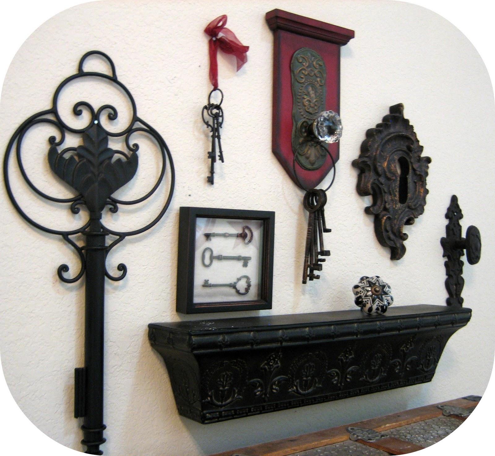 Key Decorations: Peppermint Plum: {Keys And Knobs}