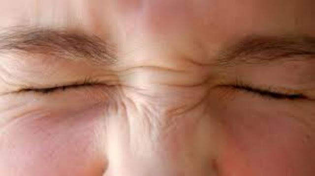 السر وراء رؤيتنا دوائر بيضاء عندما نقوم بغلق عيننا بقوة !! هام جدا لك