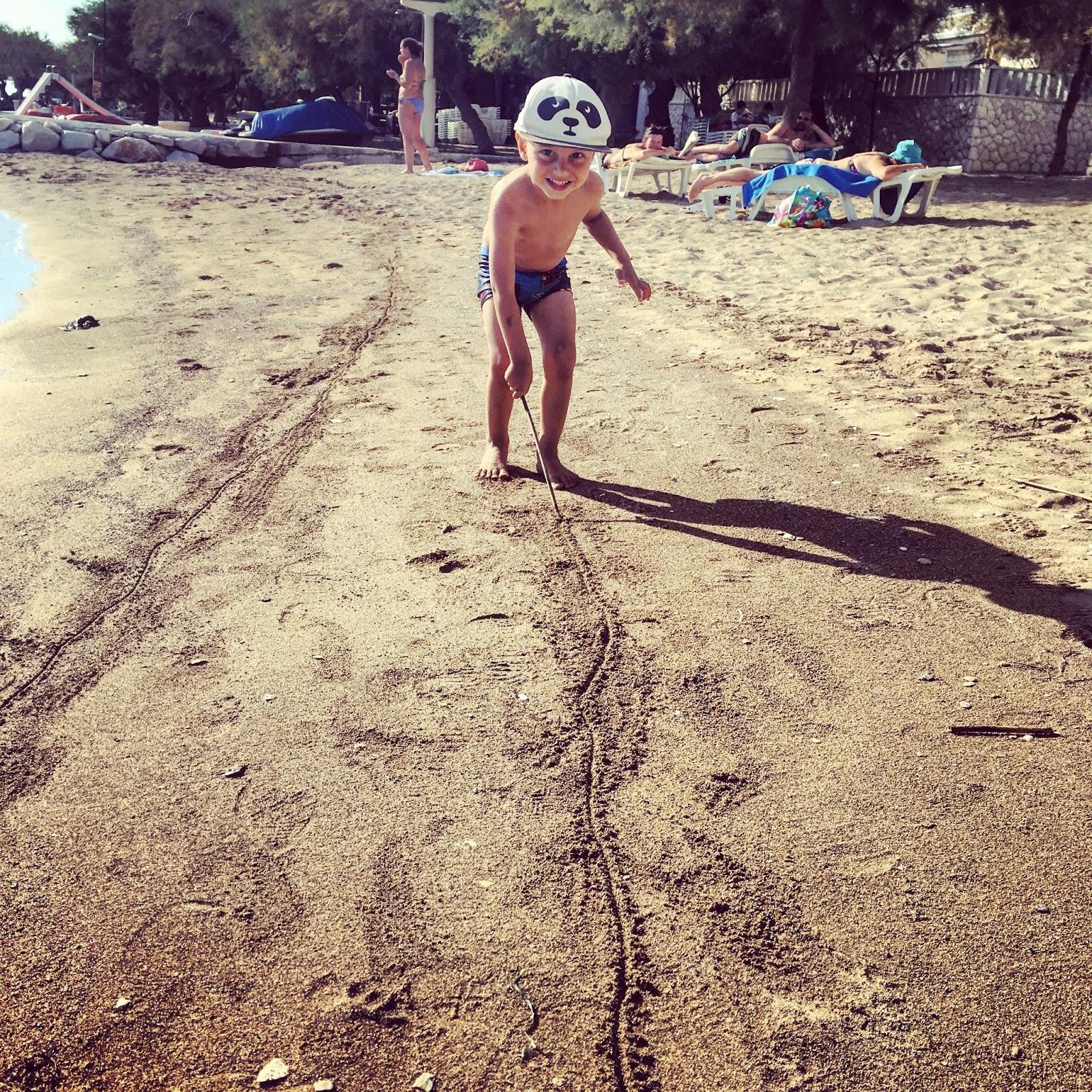 Dovolená v Chorvatsku - Omiš, písečná pláž
