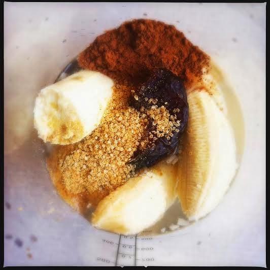 https://zielonekoktajle.blogspot.com/2014/11/ziarna-kakaowca-woda-kokosowa-banan.html