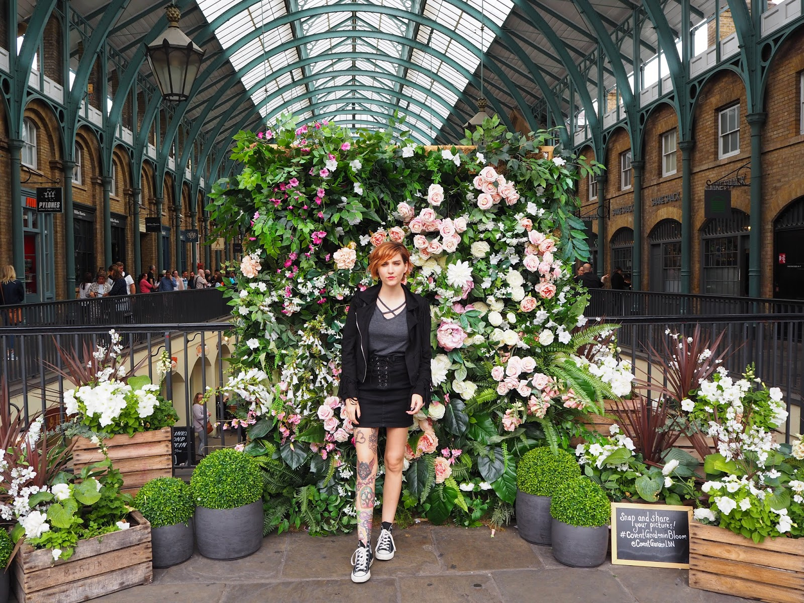 Covent Garden flower wall, bybusby bio image
