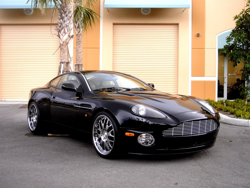 Cars: Black Aston Martin DB9