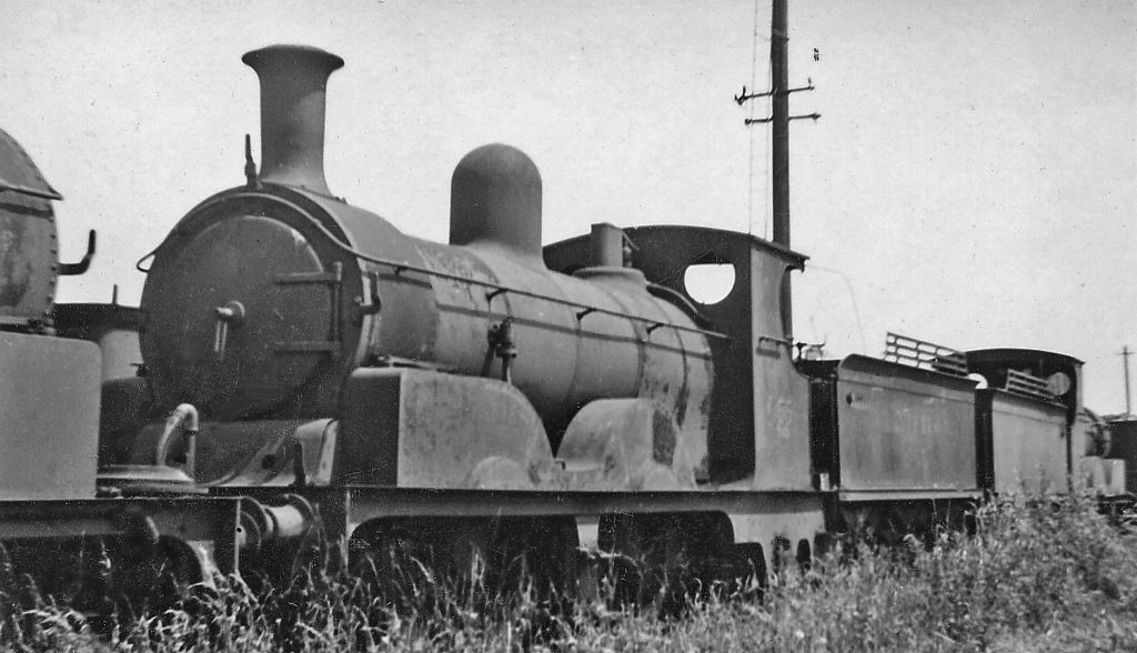 No 555 used for Victoria's funeral train in scrap line.