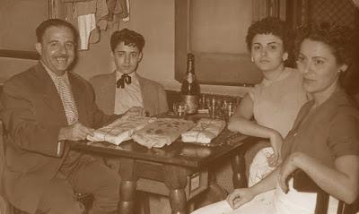 Antoni Puget con sus padres y hermana