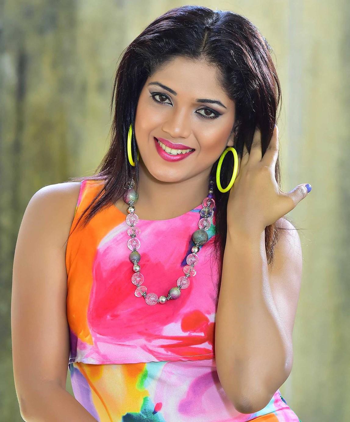 Colourful Sri Lankan Model Malsha Salani Jayawardana