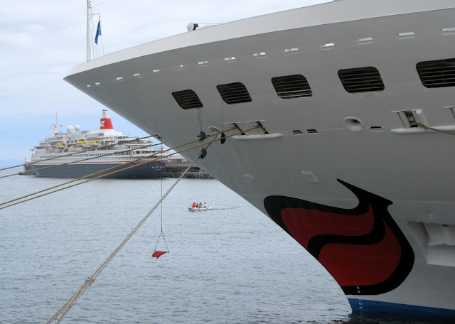 cruise ships in Funchal port