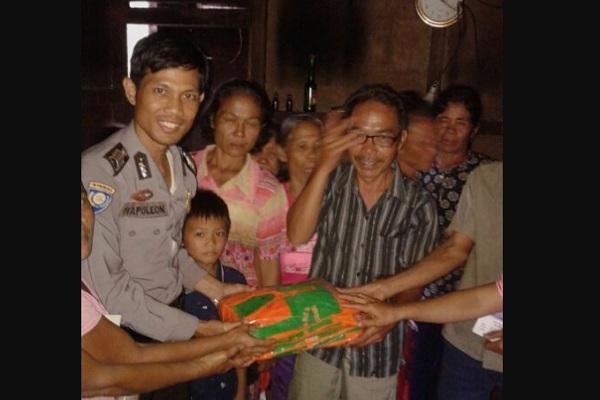 Polsek Mempawah Hulu Bangun Gereja di Desa Sailo