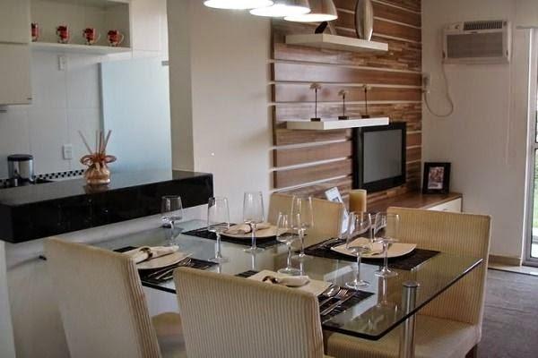 mesa de jantar junto a bancada