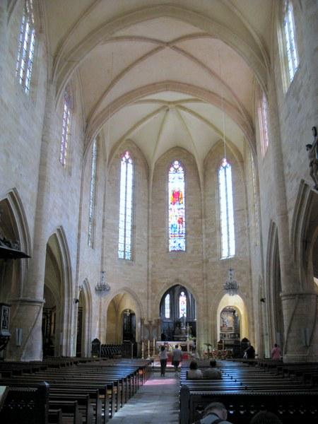 Interior de la Catedral de San Sacerdo (Sarlat la Cáneda, Francia)