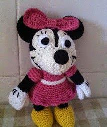 http://desvanamigurumi.blogspot.com.es/2013/06/amigurumi-disney-minnie-mouse-patron.html