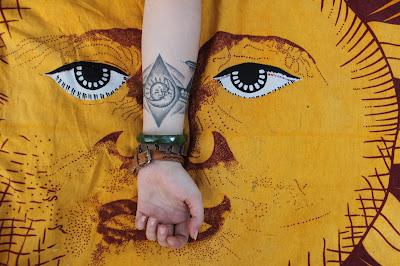 tatuaż słońce i księżyc, harmonia