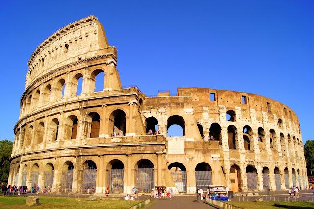 Pontos turísticos em Roma - coliseu