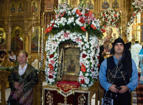 Με τιμές αρχηγού κράτους η υποδοχή της εικόνας της Παναγίας Σουμελά στη Χίο