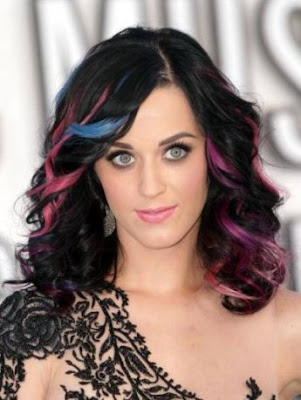 Latest Ideas For Curly hair To Impress In The Winter 2016-17