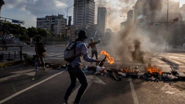TSJ sentencia que otros 2 alcaldes deben impedir barricadas: La pena por desacato es prisión