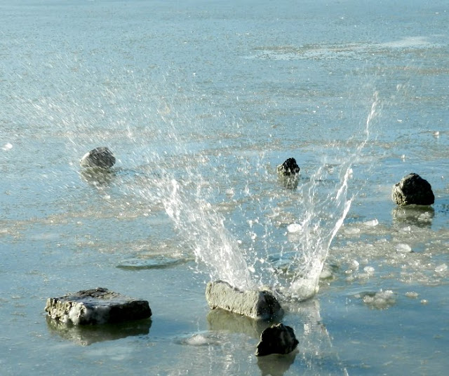 water splash at utah lake