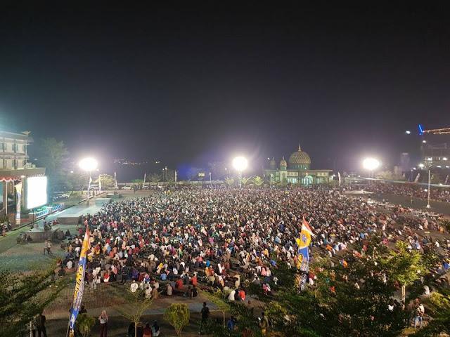 Pecahh! Ribuan Warga Antusias Nonton Film G30S/PKI di Makodam XII Tanjungpura