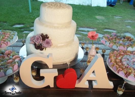 Letras decorativas casamento Bolo