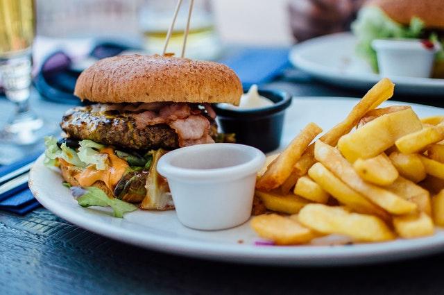 Restoran Yemekleri Fast Food Zincirlerinden Daha Fazla Kalori İçeriyor