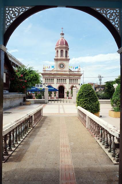 Saya merayakan natal, 25 desember 2015 di gereja Saint Cruz, Bangkok