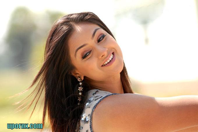 South Indian Actress Blue Film Simran Cute Saree Gallery-8296
