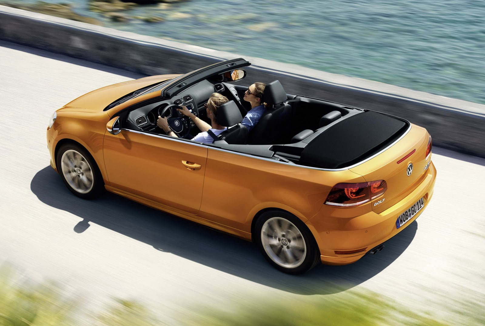 2016 vw golf cabriolet with minor updates heads to. Black Bedroom Furniture Sets. Home Design Ideas