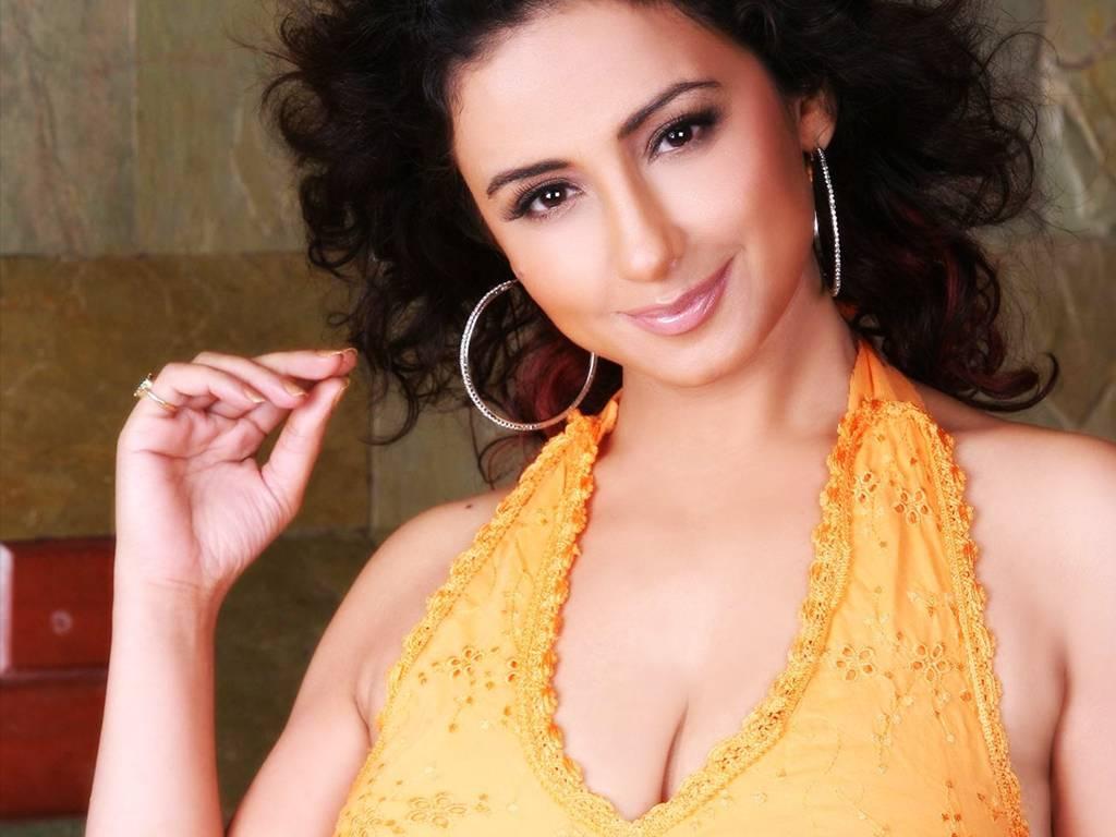 Divya Dutta Hot Show Cleavage Show Photos