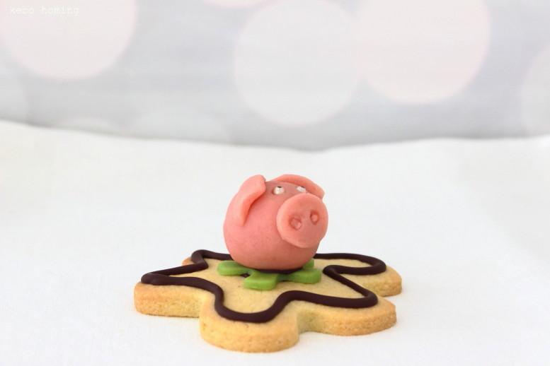 Marzipan Schweinchen, DIY, Mürbeteig, Fondant, Glücksbringer für Sylvester mit Anleitung, step by step tutorial, backen, Rezepte auf kebo homing, dem Südtiroler Food- und Lifestyleblog