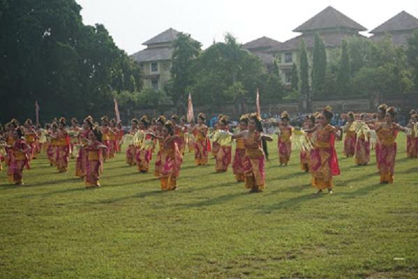 Sebanyak 60 SMA/SMK Ikuti Porsenijar di Bali