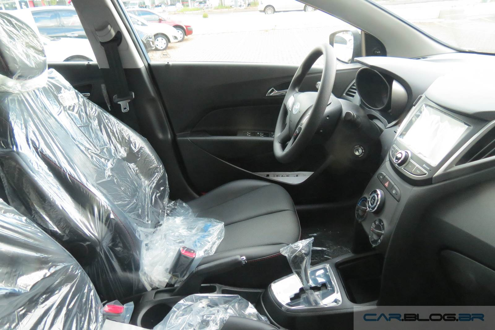 Hyundai HB20S Automático - aluguel