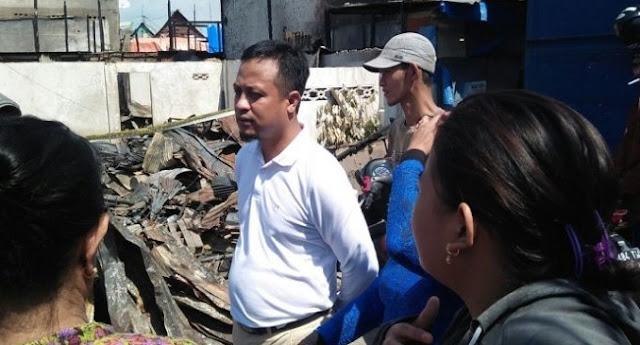 Bakal calon wakil Gubernur Sulsel, Andi Sudirman Sulaiman (ASS) mengunjungi korban kebakaran di Kelurahan Lembo Kecamatan Tallo Makassar, Minggu (29/10/201
