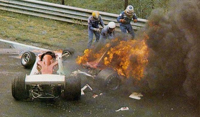 Risultato immagini per f1 nurburgring 1976 incendio