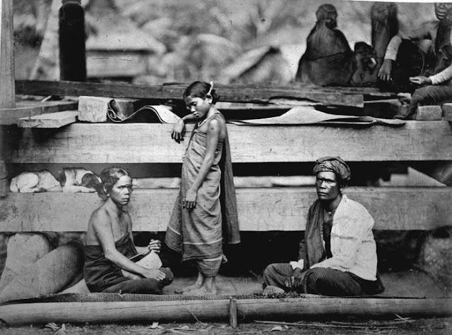Batak family, circa 1870