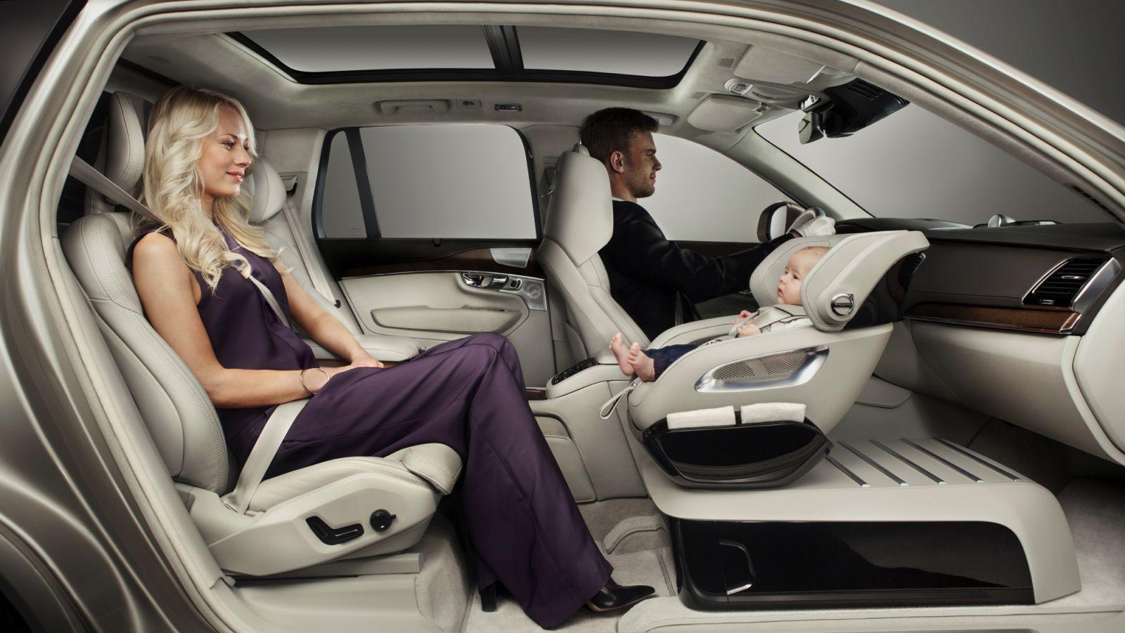 volvo baby seat Τα 10 καλύτερα αυτοκίνητα για νέες μαμάδες topspeed.gr, zblog, μαμάδες, μητέρες, μωρά