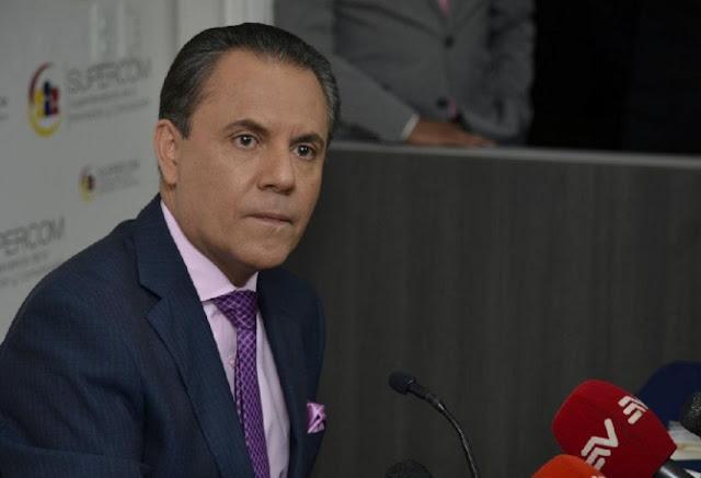carlos ochoa superintendente comunicacion ecuador