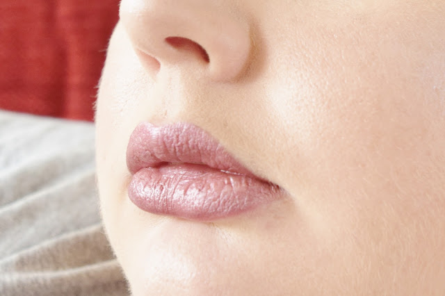 Sleek MakeUP Matte Me Metallic Lip Cream in Rusted Rose swatch