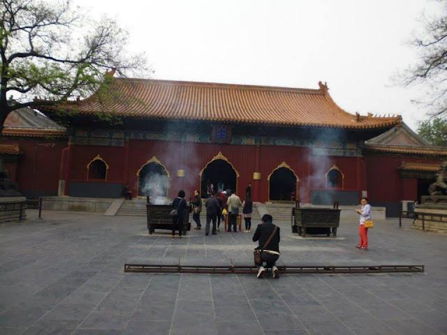 Ofrendas en el Templo de Yonghe (Beijing)