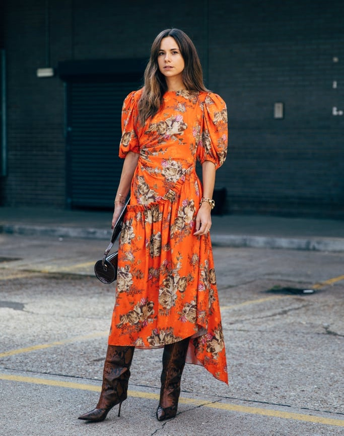How to Wear a Bold Floral Print Dress for Fall — Street Style Inspiration