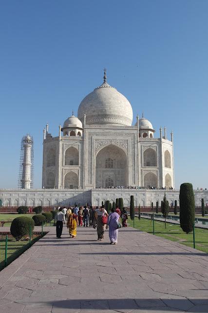 Mengintip pintu masuk di Taj Mahal, Karya Cinta Abadi Shah Jahan