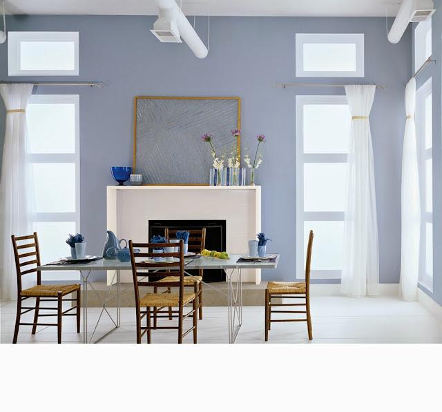 Ruang makan minimalis warna biru